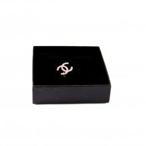 Chanel CC Brosche mit Kristallen