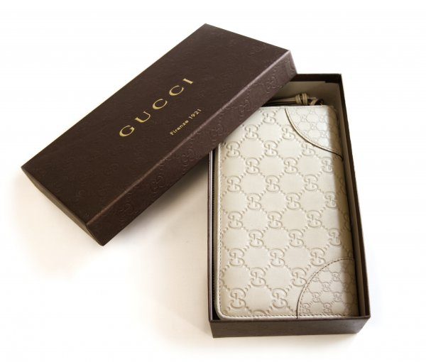 Gucci Leather wallet in White